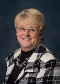 Linda Wolfe.png
