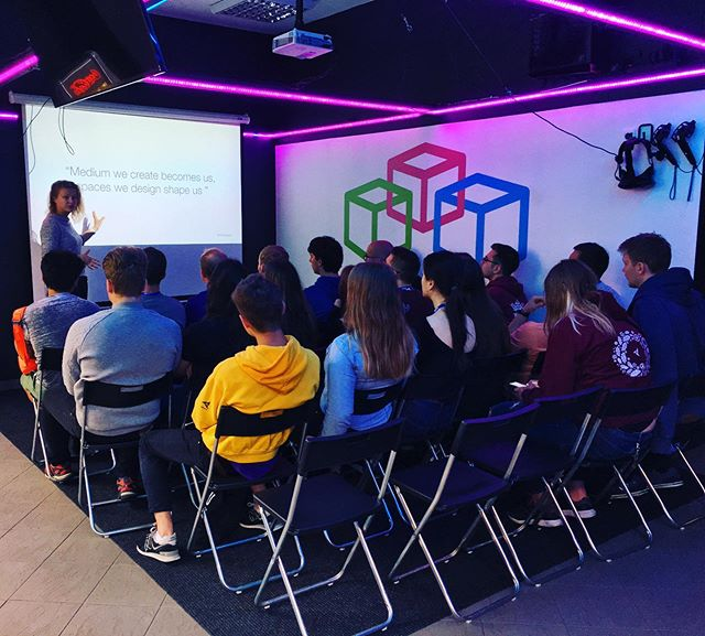 """@bestriiga summer courses with @rtu.lv and @gunita.ku from @vividlyapp bring together students from technical universities from all across Europe. The topic this year - """"Enter the BEST: Path to the new Dimension"""". Let's discover how virtual reality fits in the landscape 🤔 #vr #virtualarealitate #virtualreality #technicaluniversity #newdimension #portalsvrarcade"""