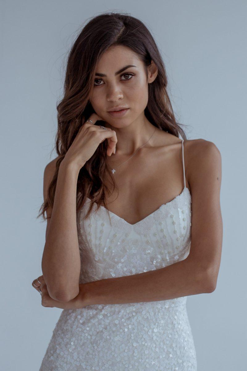 plottie-wedding-dress-karen-willis-holmes-800x1200.jpg