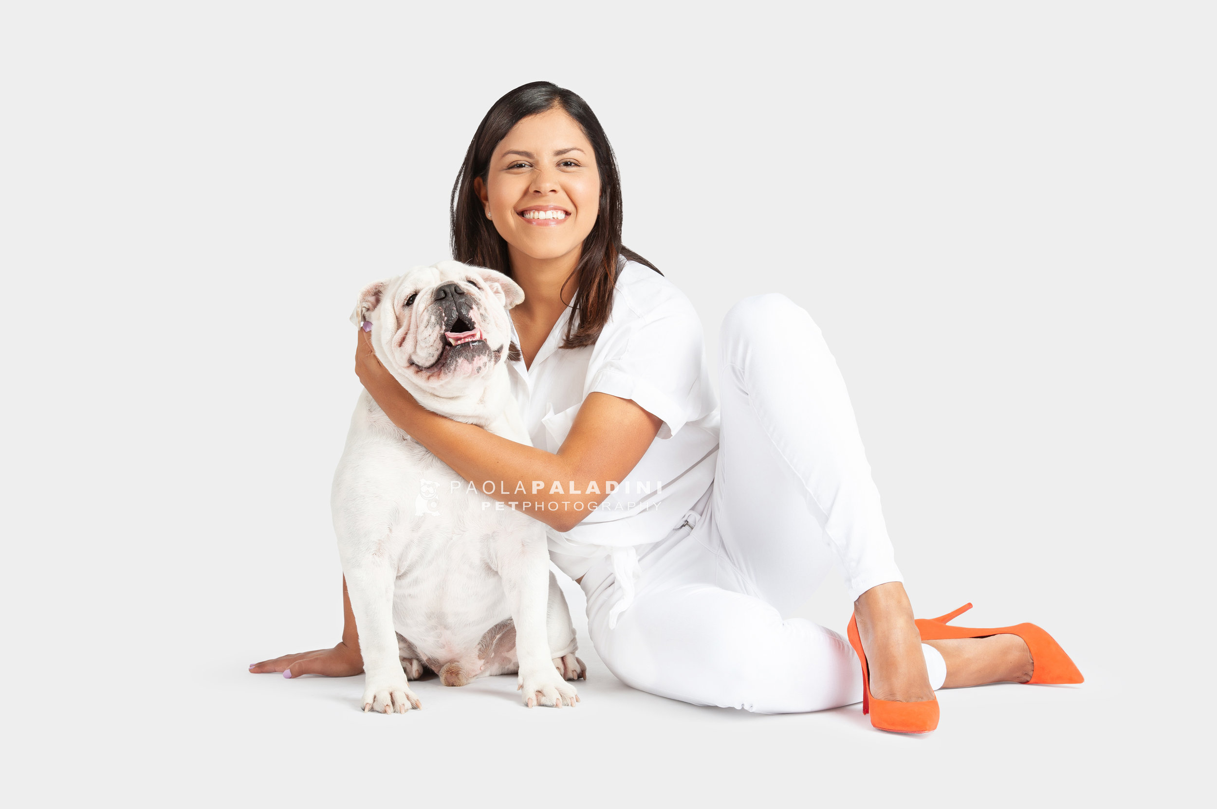 Paola-Paladini-White-on-White-Hounds-and-Heels-Bulldog-1