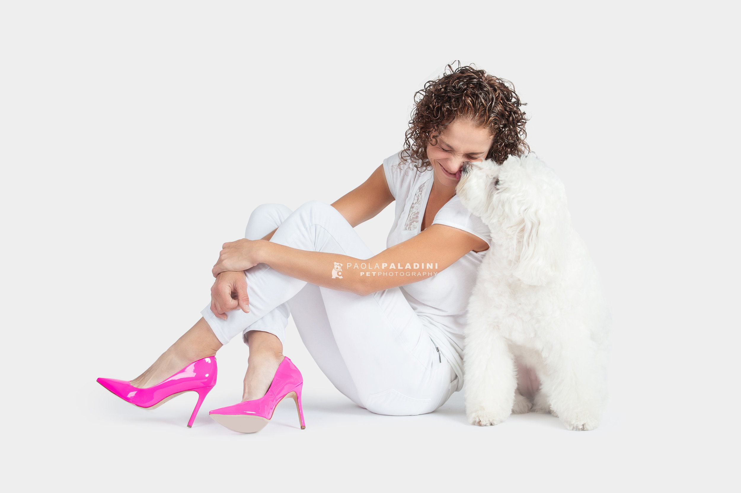 Paola-Paladini-White-on-White-Hounds-and-Heels-poodle-1