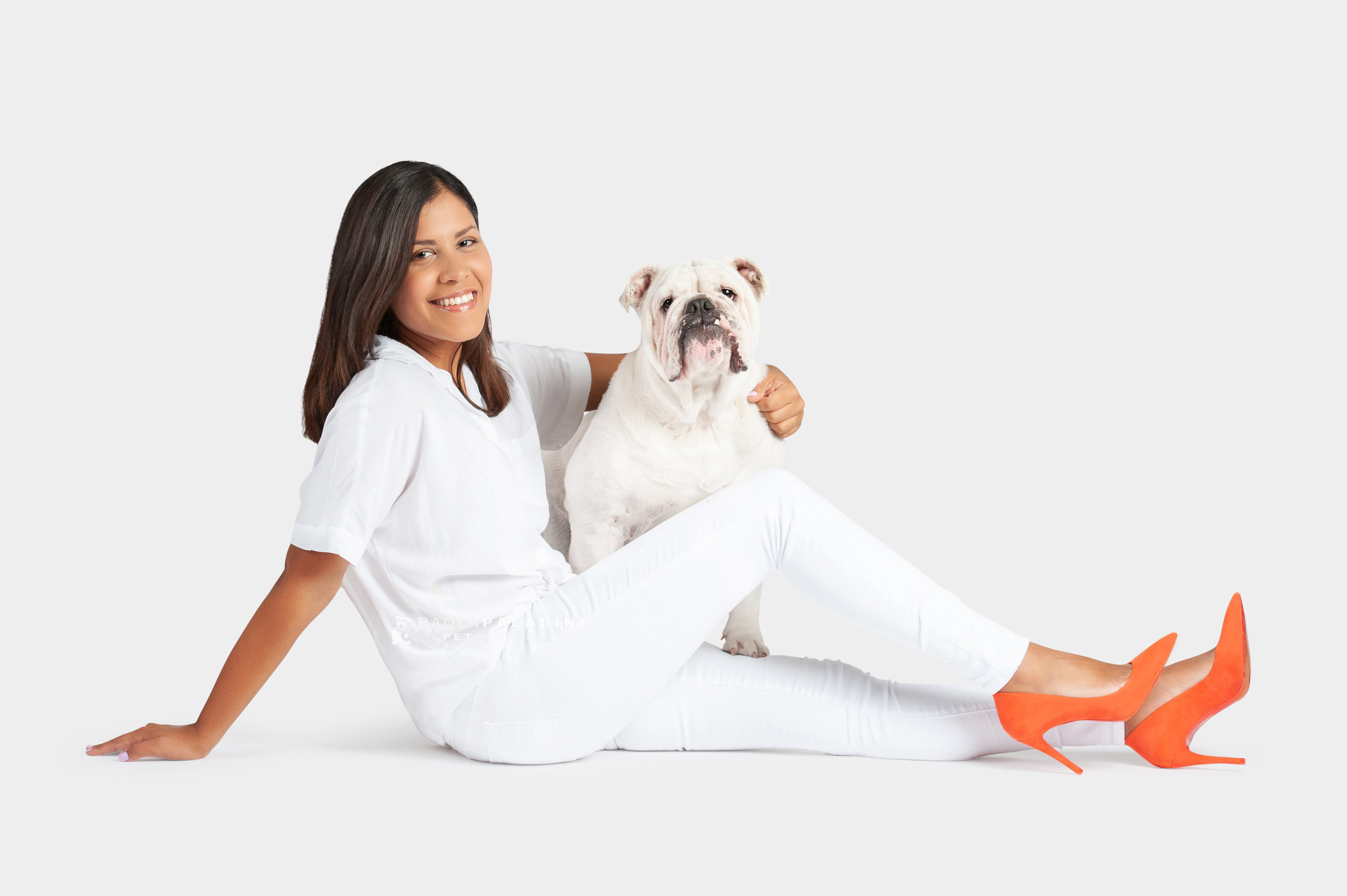 Paola-Paladini-White-on-White-Hounds-and-Heels-Bulldog-3