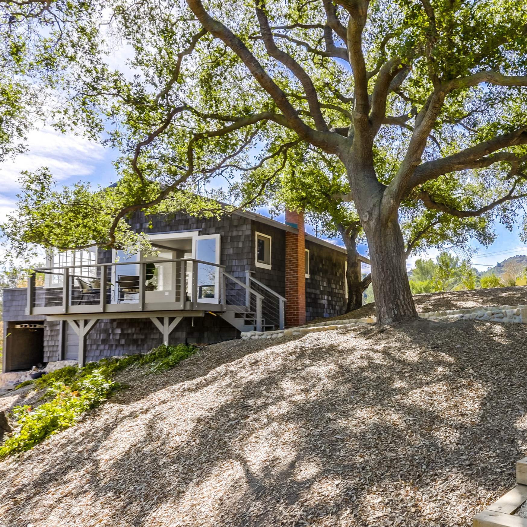 1543 Fernwood Pacific Dr - Topanga$1,074,000Represented Both Sides