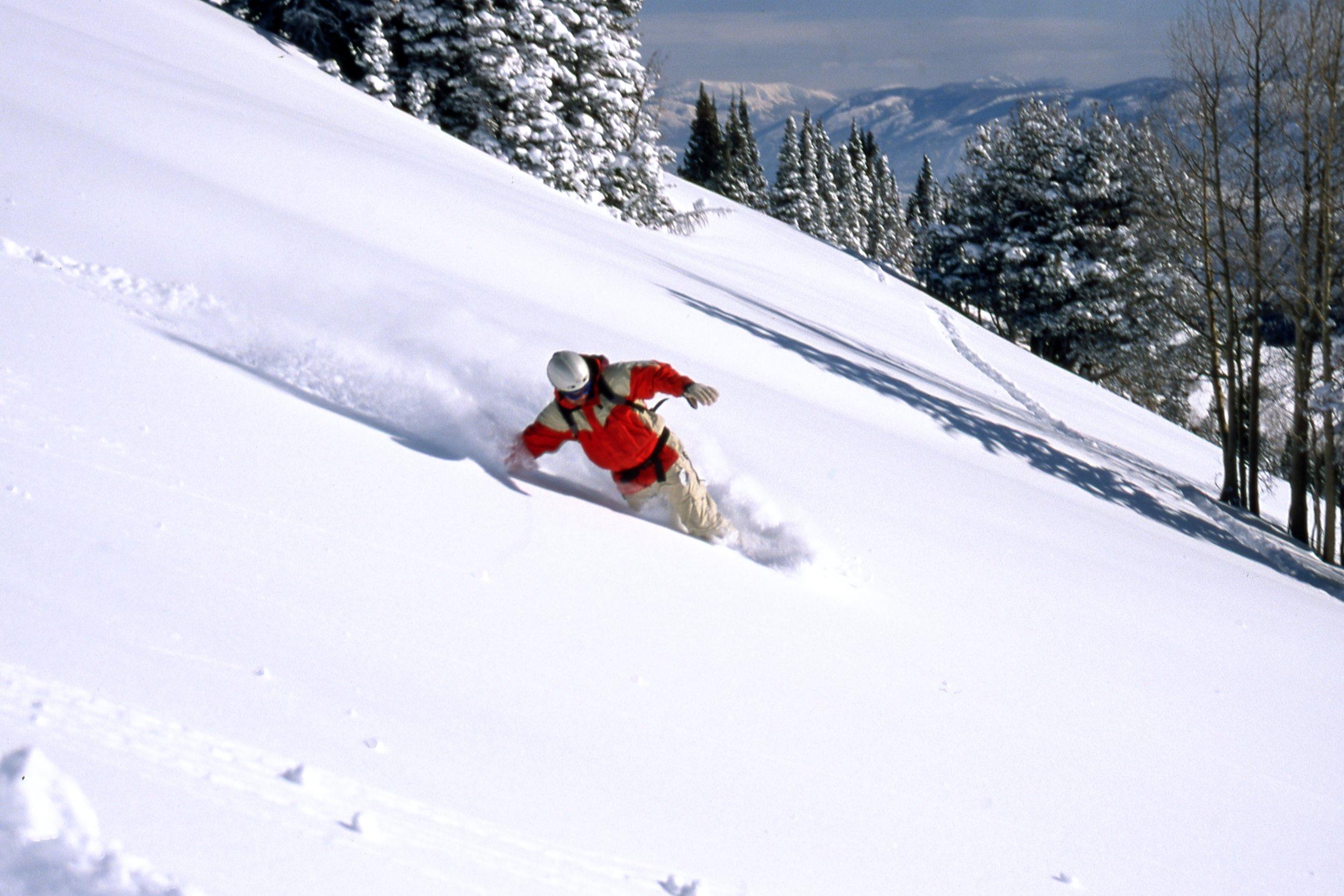 SNOWBOARDING IN THE UTAH BACKCOUNTRY