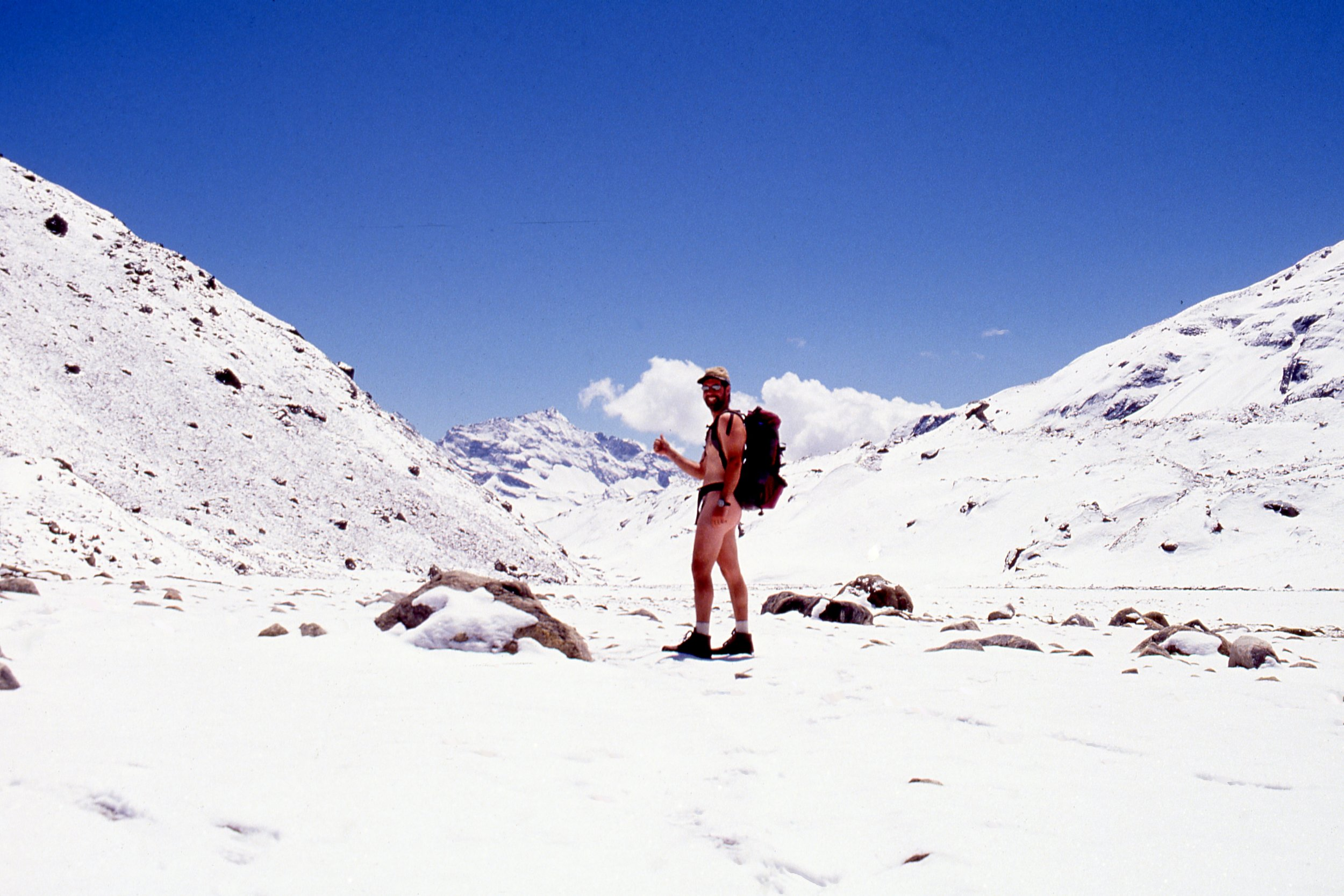 HITCH HIKING TO MAKALU, NEPAL NAKED…. DID NOT GET A LIFT