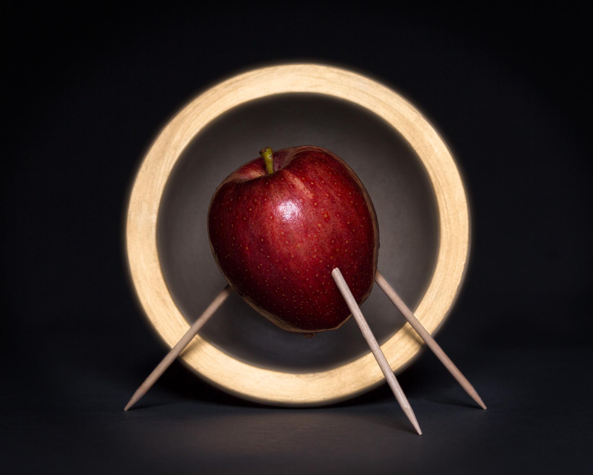 DanDorio_HolyFruit_Apple.jpg