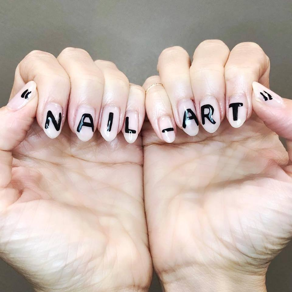 NAIL ARTIST CHICAGO OFFCOLOR MANICURIST