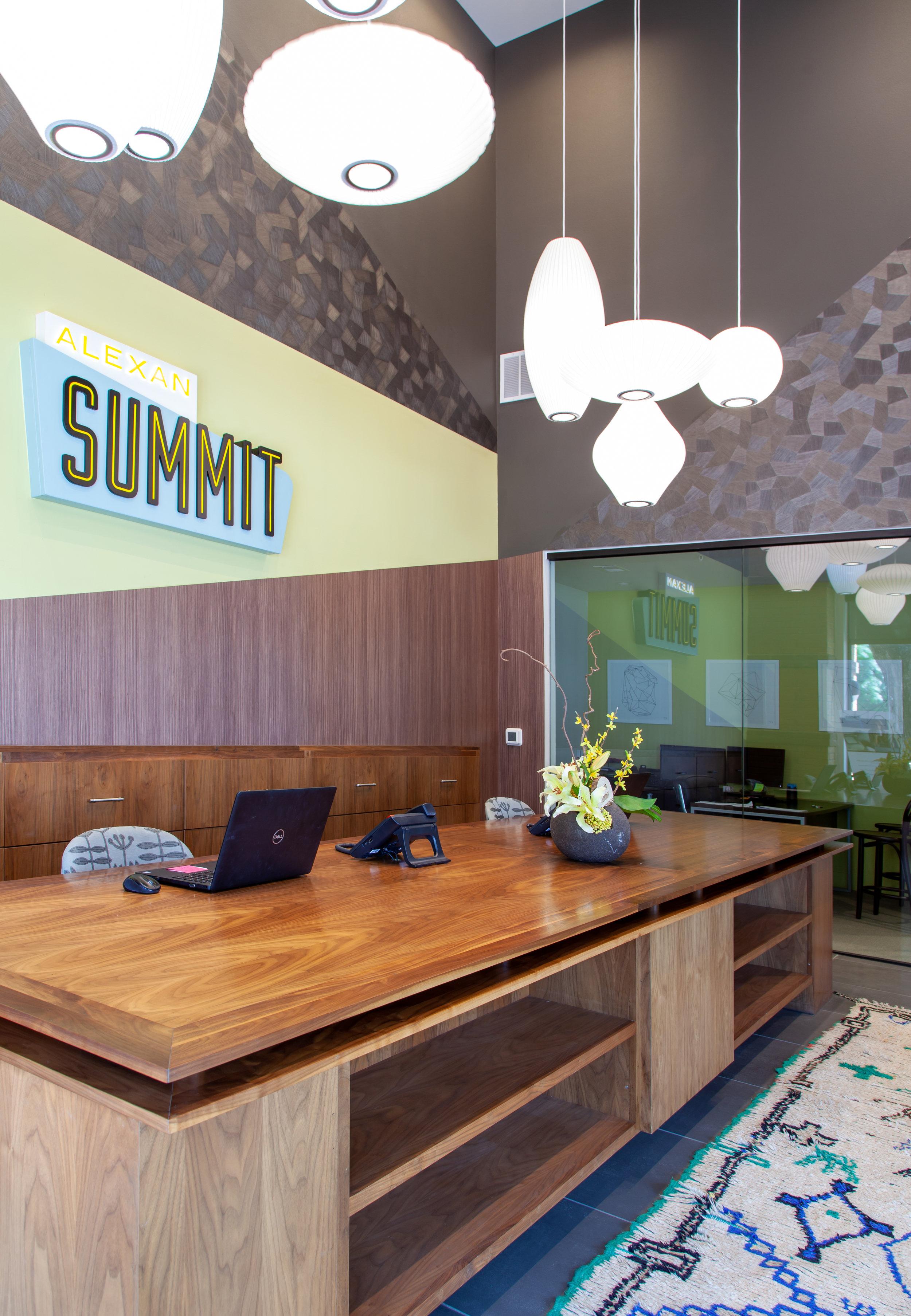 2 - B2_Alexan Summit FW_20190525_002.jpg