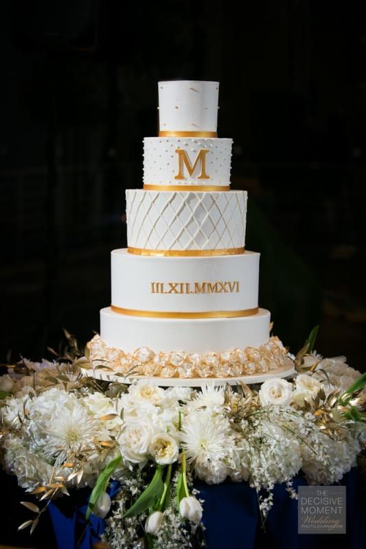 wedding - 5 tier Gold_roman_numerals.jpg