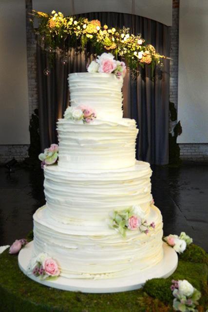 wedding - frosted_pumpkin_atlanta_wedding_cake.jpg