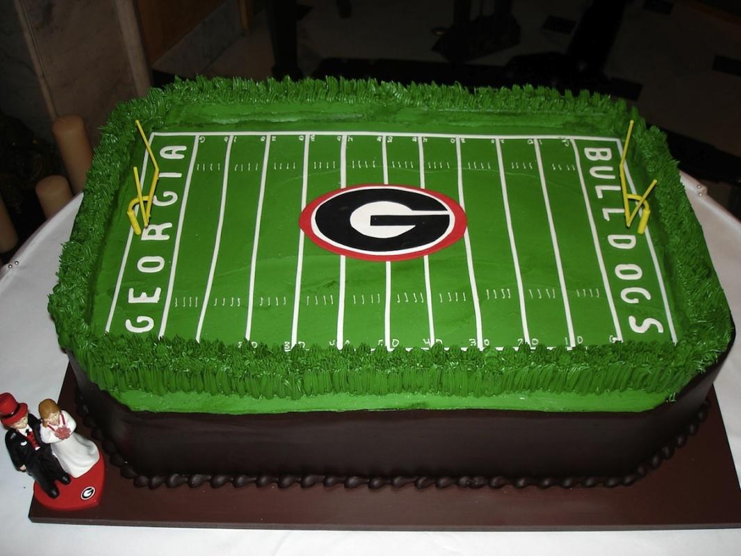 grooms cake - Between_the_hedges.jpg