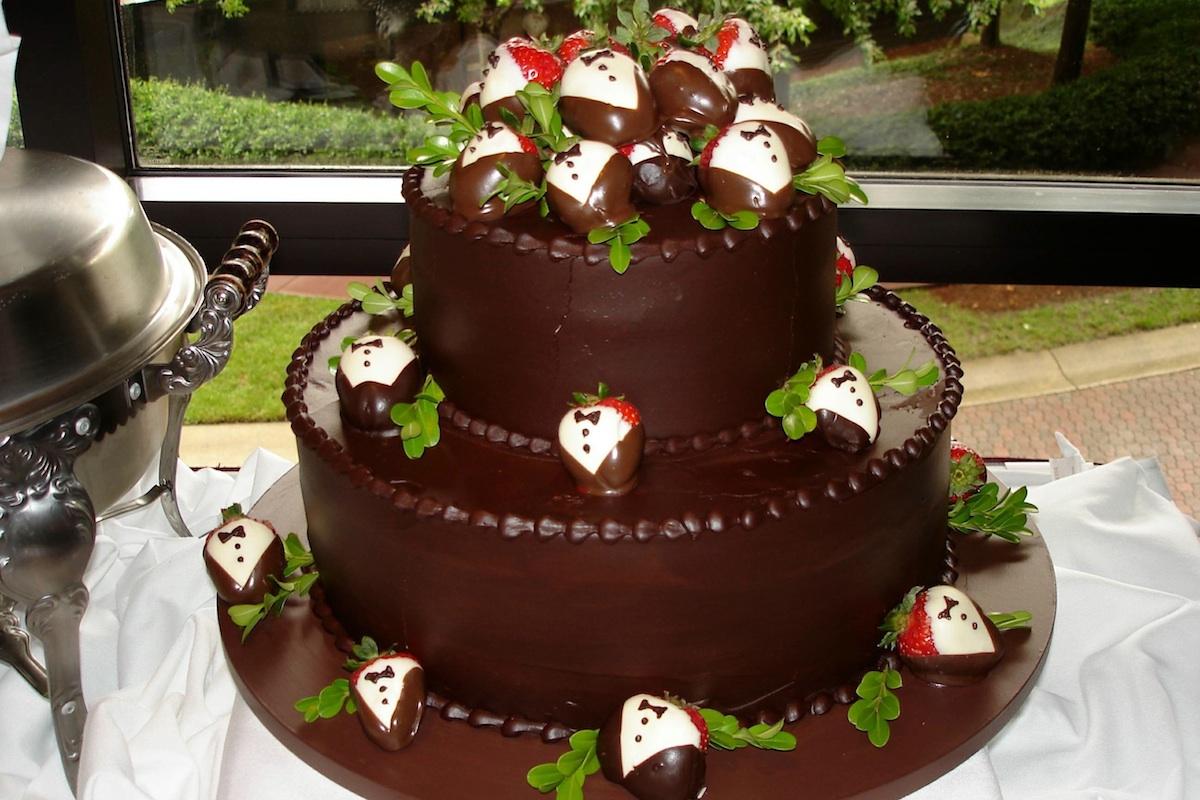 grooms cake - tuxedo strawberries.jpg