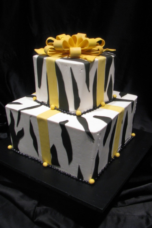 special occassion - cake wrapped like a present.jpg