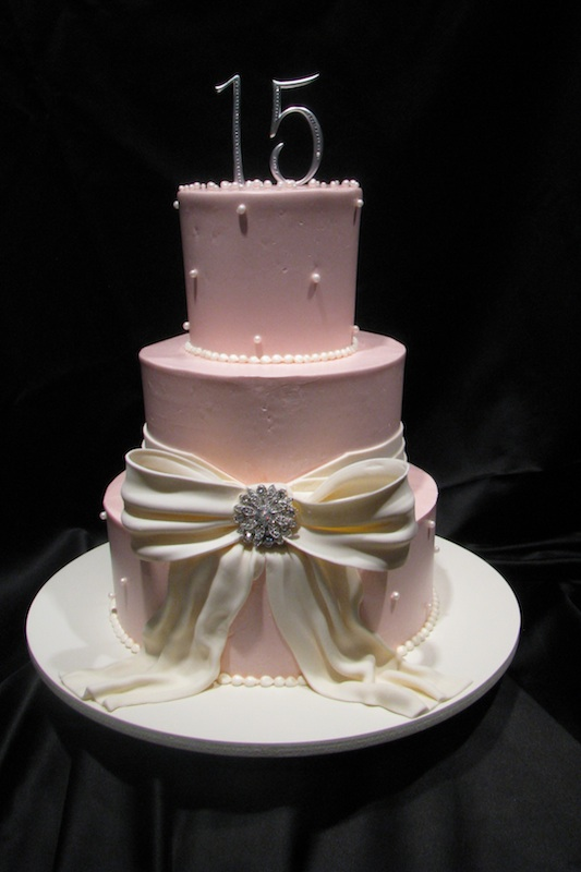 special occassion - pink cake for 15 year old.jpg