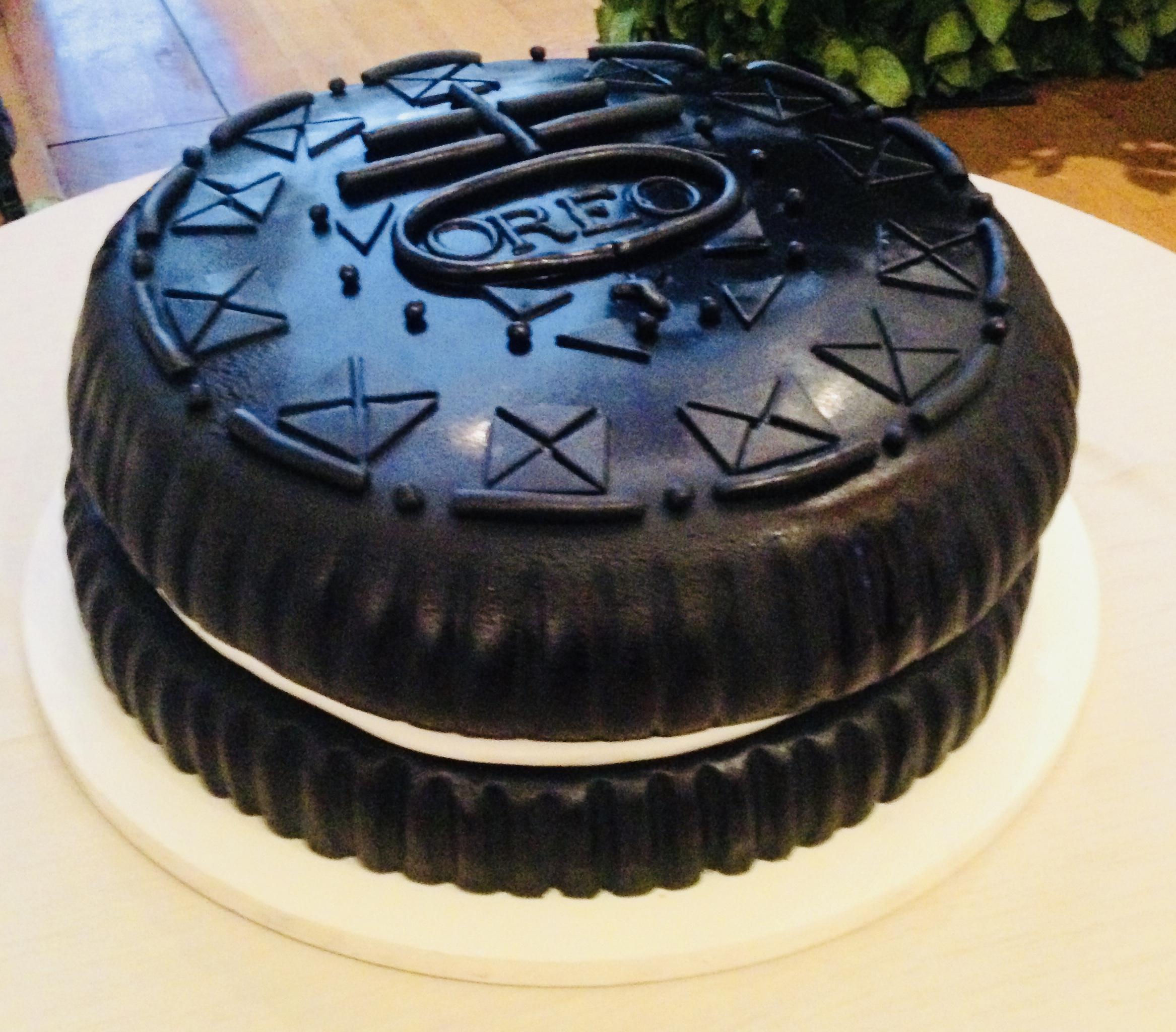 grooms cake - oreo cookie.jpg