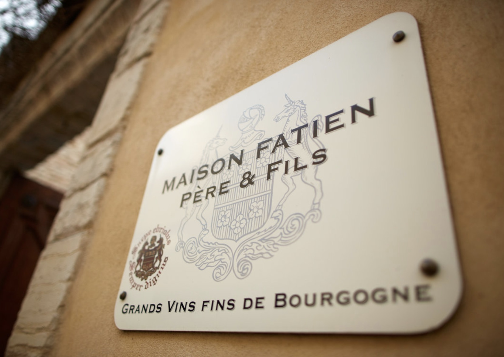 MAISON FATIEN PERE & FILS - The wines of Maison Fatien are produced from almost 4 hectares of vineyards, worked exclusively by Charly Fatien. The parcels are spread over prestigious appellations of the Cote de Beaune and the Cote de Nuits: Gevrey Chambertin, Beaune, Pommard and Volnay. Maison Fatien adds to its range by making an extremely judicious selection of additional grapes.