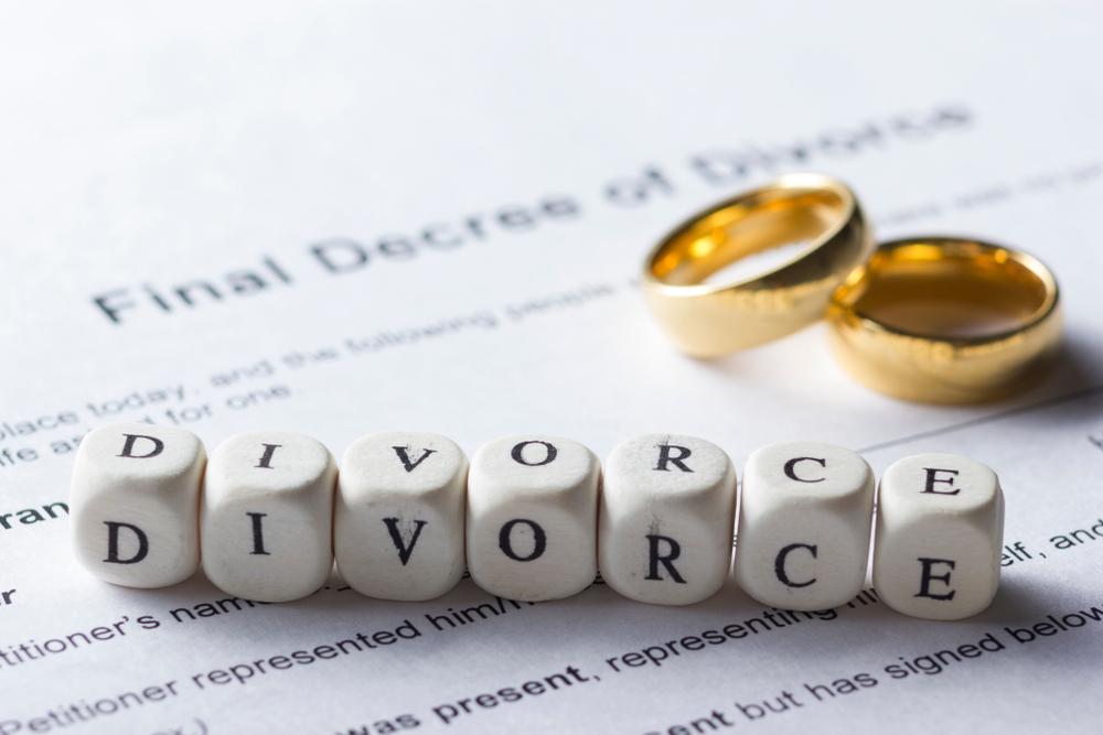 divorce lawyers.jpg