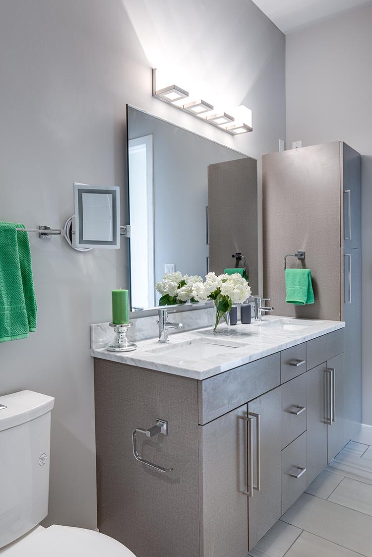 TheBartonApartments bathroom 4_TB_Crop.png