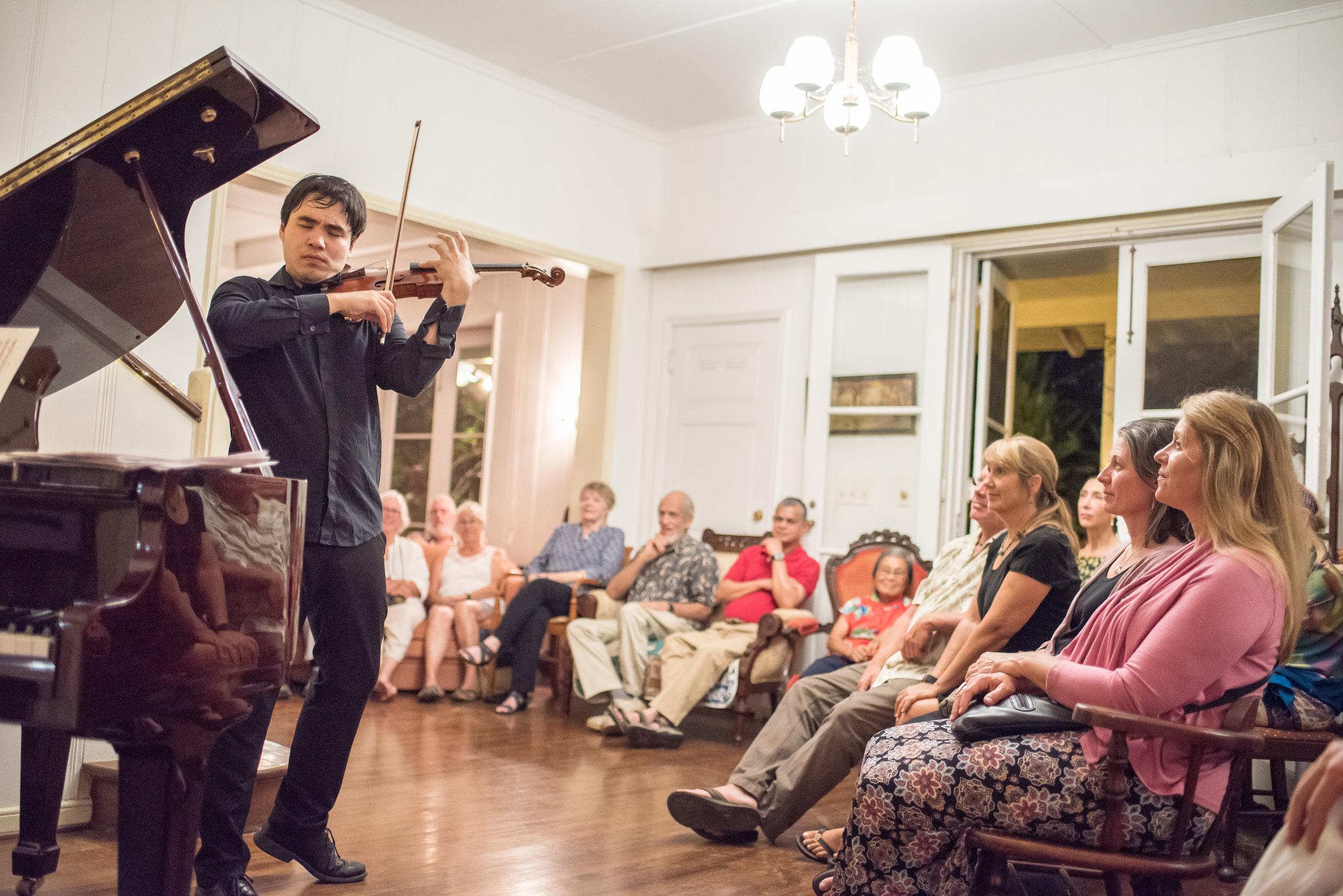 Eric Silberger at Pahala Plantation Cottages, Big Island. // Carlin Ma Photography