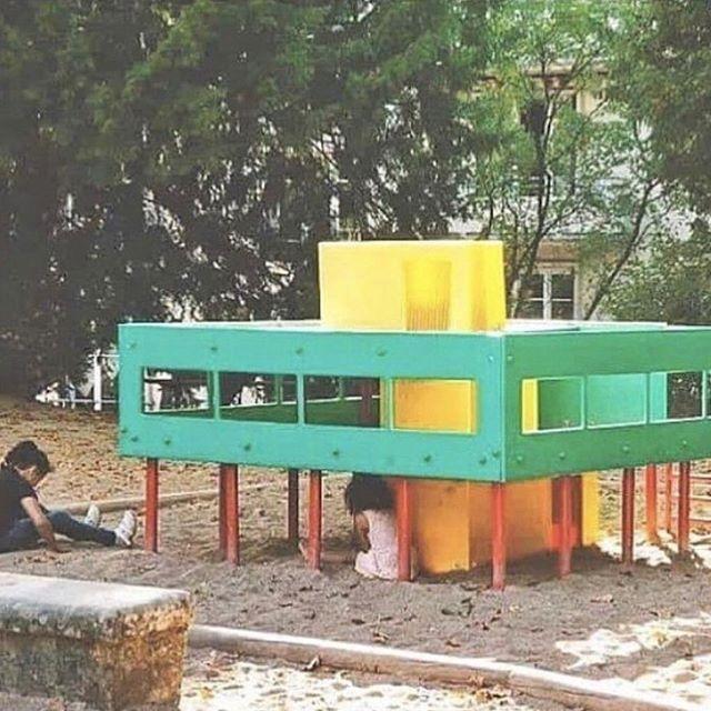Lil' Corb, playground version of the Villa Savoye, by Le Corbusier⠀#kidfriendly #familyfriendlypublicspaces #familyfriendly #playground #architectureforkids #familyfriendlydesign