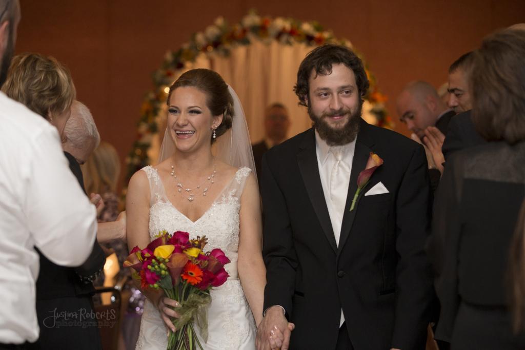 37abe40ded3ff3c8-016_vermilion-ohio-wedding_JustinaRoberts.jpg