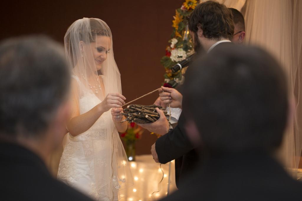 a8747c10a8317449-013_vermilion-ohio-wedding_JustinaRoberts.jpg