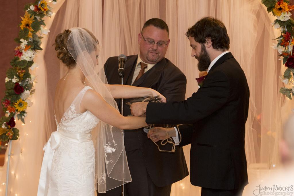 cb5df805e359f985-014_vermilion-ohio-wedding_JustinaRoberts.jpg