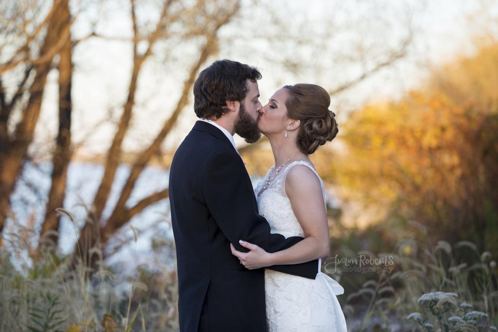 d98454660e24c1a0-035_vermilion-ohio-wedding_JustinaRoberts.jpg
