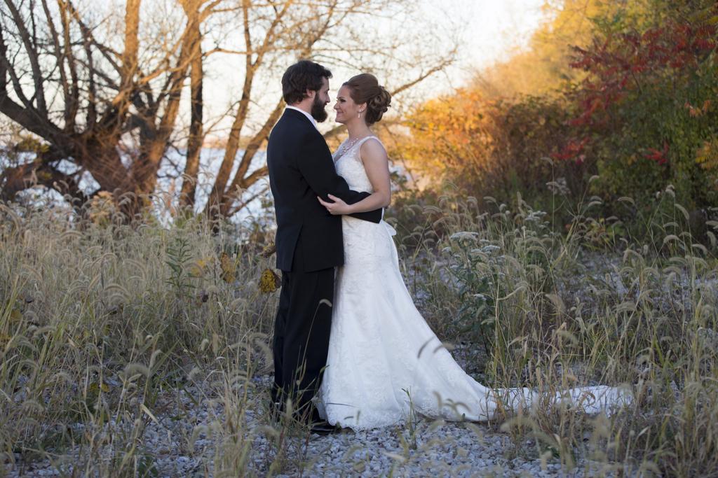 71df968e489853c5-034_vermilion-ohio-wedding_JustinaRoberts.jpg
