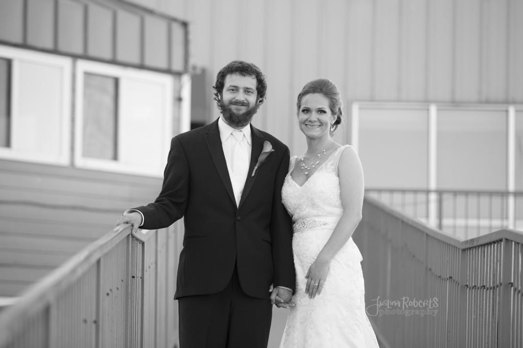 e2c8c59acd570589-029_vermilion-ohio-wedding_JustinaRoberts.jpg
