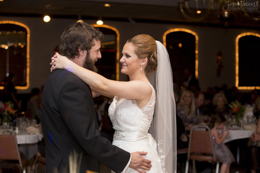 656c4075c6ebbf71-021_vermilion-ohio-wedding_JustinaRoberts.jpg