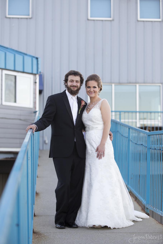 8676d790e8716807-030_vermilion-ohio-wedding_JustinaRoberts.jpg