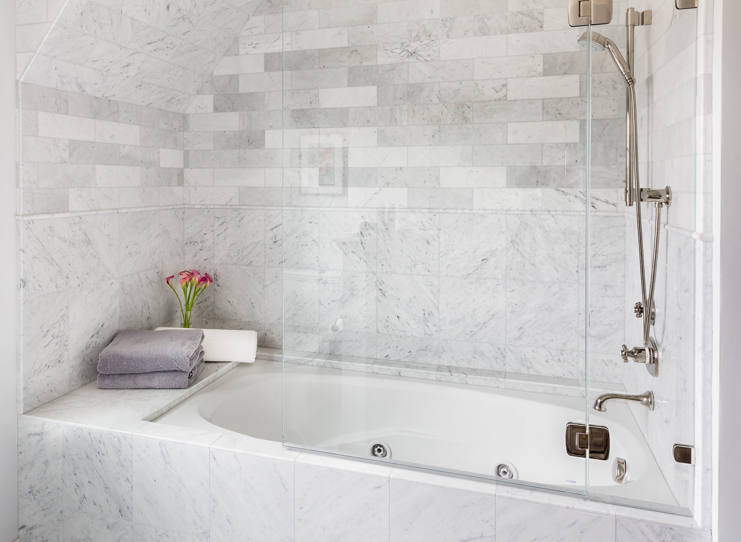 15 Bath.jpg