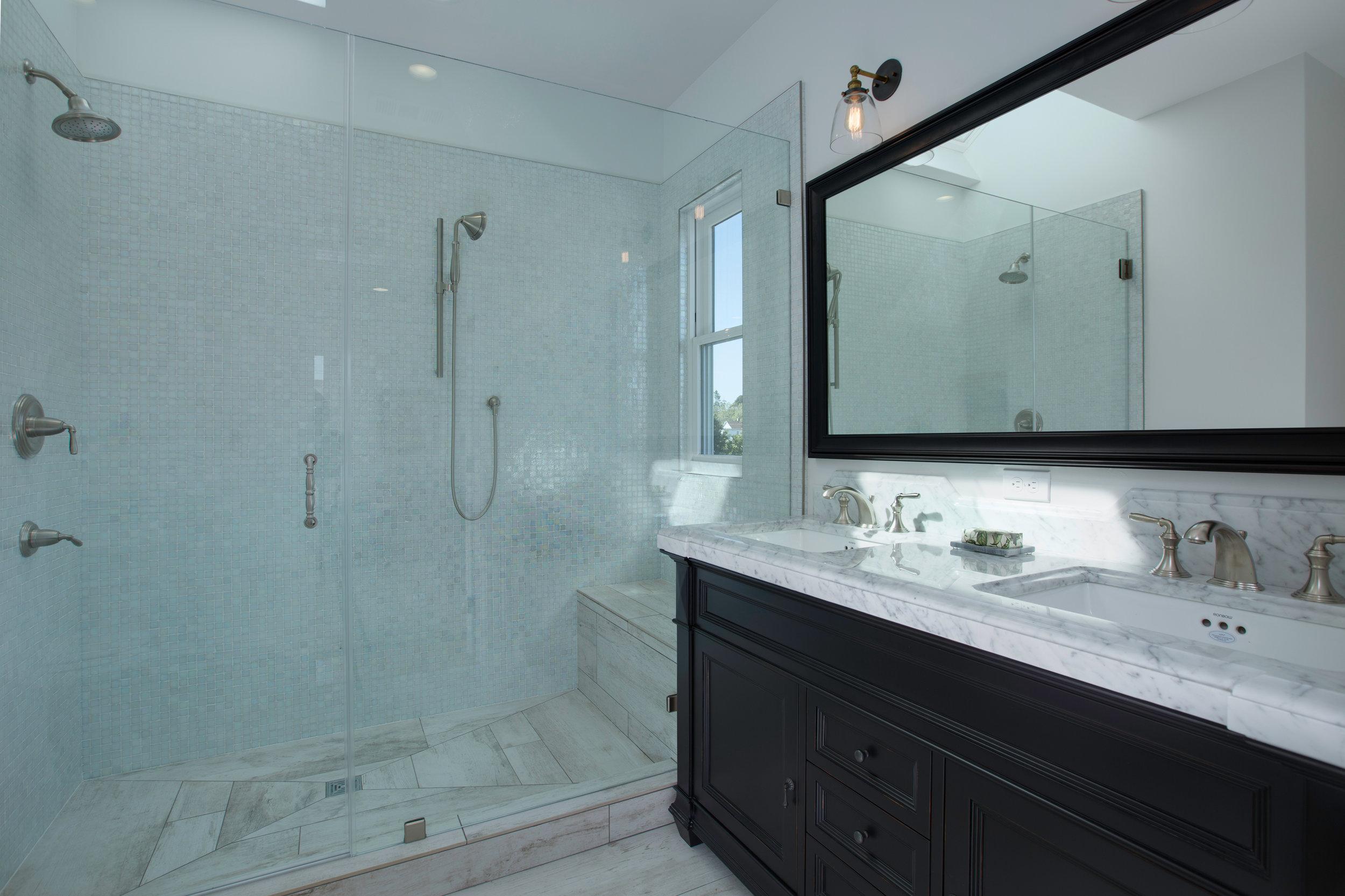 15 Mstr Bathroom.jpg
