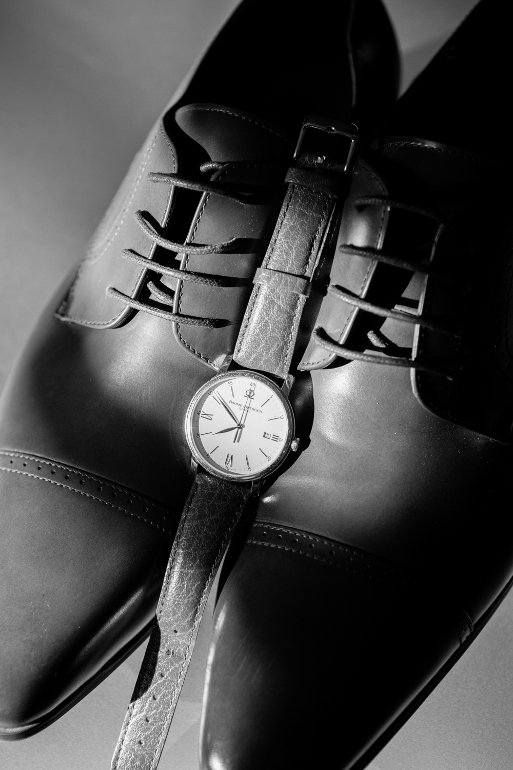 wedding-0097-watch-groom-shoes-details-brisbane.jpg