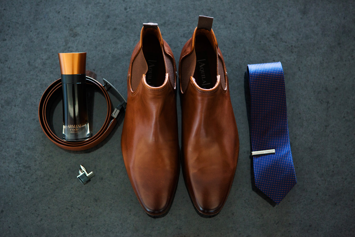 wedding-0307-groomdetails-boots-brown-tie-brisbane.jpg