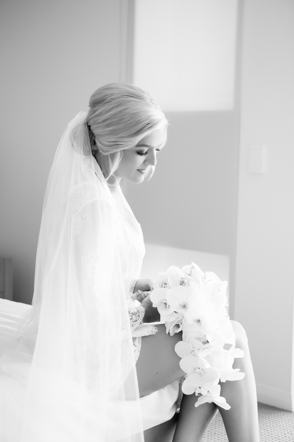 wedding-0111-veil-orchids-bouquets-australia.jpg