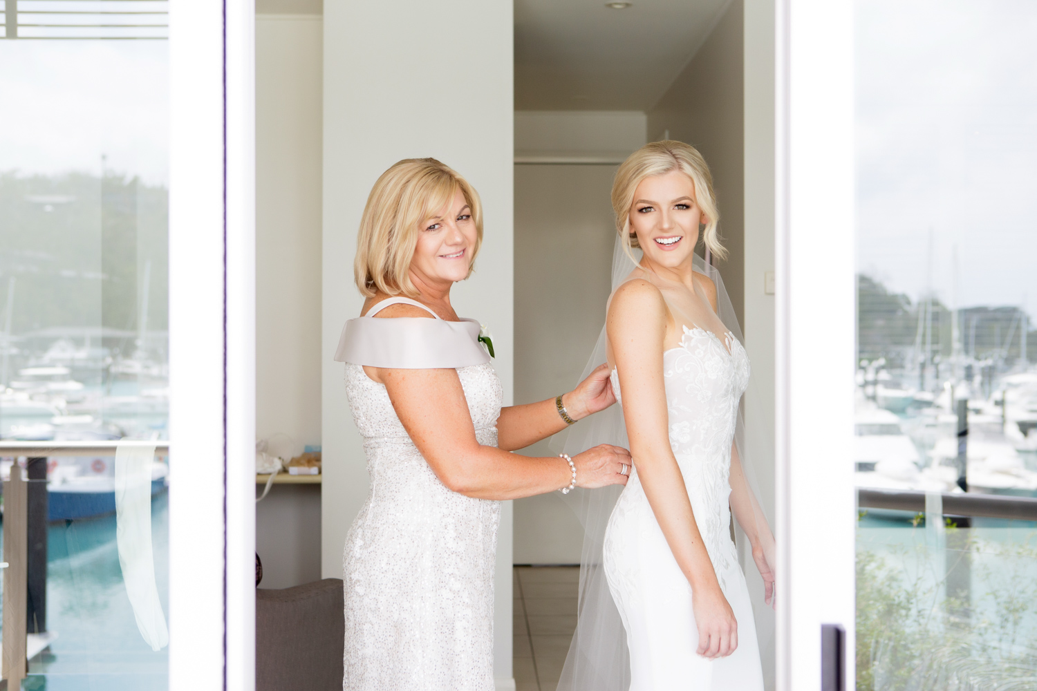 wedding-0113-dress-gown-buttons-back-mum-queensland.jpg