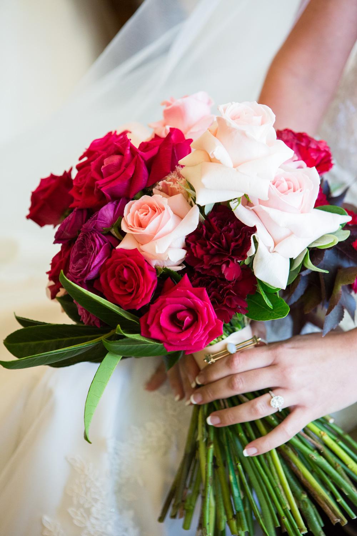 wedding-0437-bouquets-flowers-pink-red-queensland.jpg