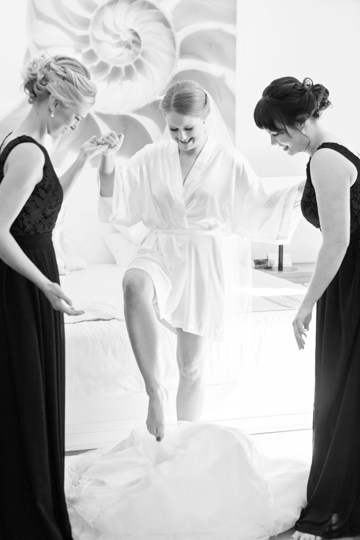 wedding-0417-dressinggown-bridesmaids-steppingin-australia.jpg