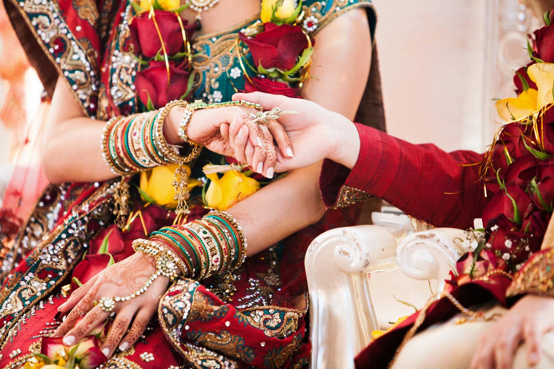 wedding-0452-indian-traditions-sari-jewellery-queensland.jpg