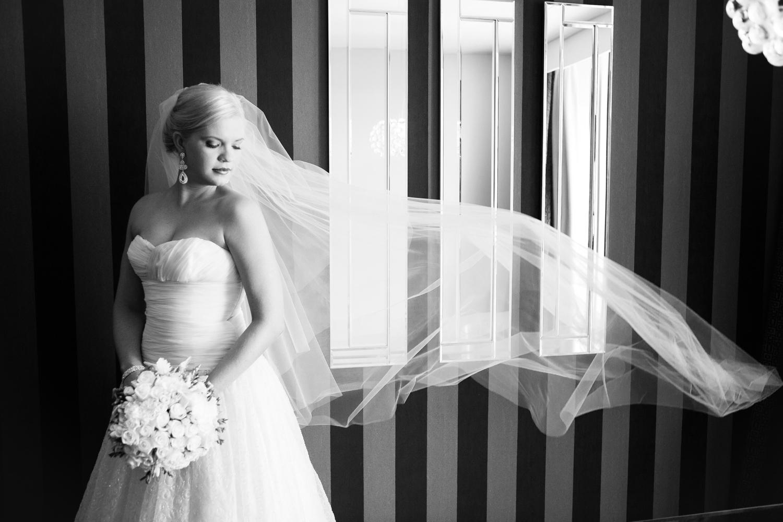 wedding-0428-veil-full-length-beautiful-queensland.jpg