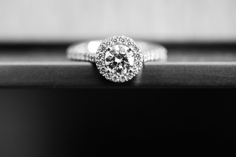 wedding-0455-engagement-rings-round-diamonds-queensland.jpg