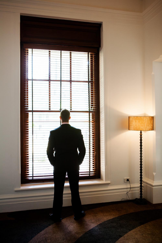 wedding-0601-silhouette-groom-treasury-hotel-brisbane.jpg