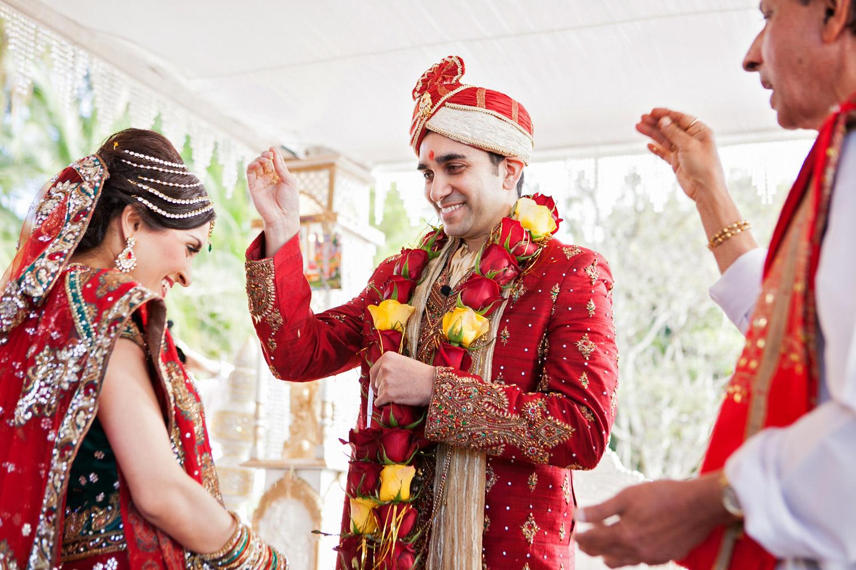 wedding-0368-indian-ceremony-rose-necklace-queensland.jpg