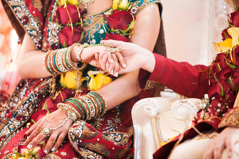 wedding-0373-indian-ceremony-hands-tye-brisbane.jpg