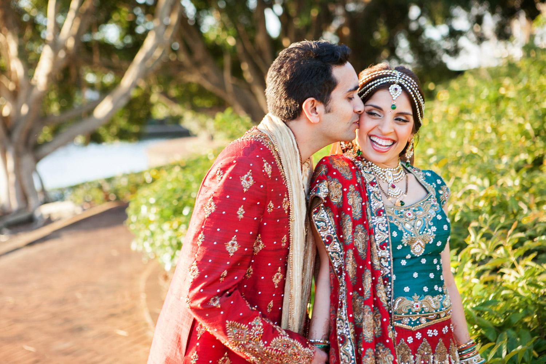 wedding-0377-indian-red-green-sari-queensland.jpg