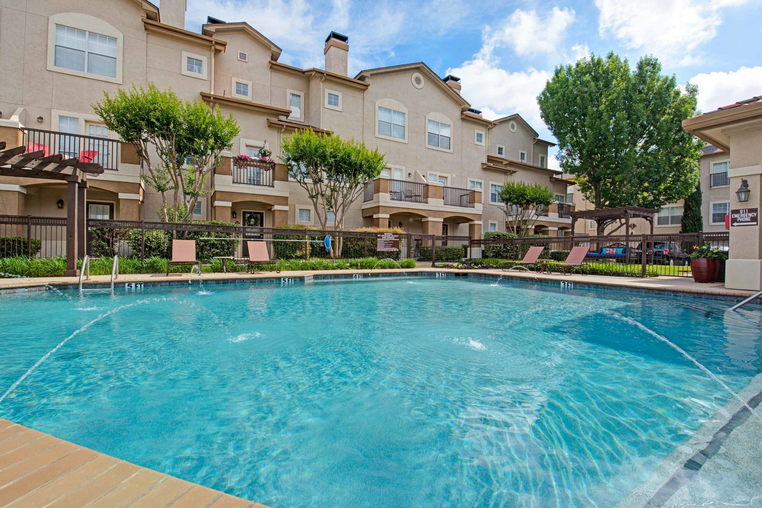 Monticello Oaks Townhomes in Fort Worth, TX