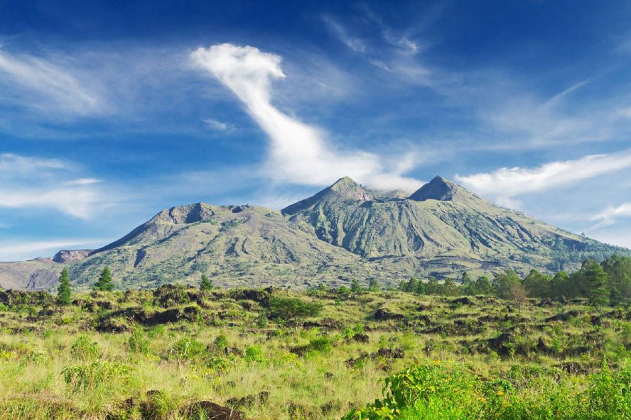 Mount Batur and the Caldera Lake. A favourite stopover on tour itineraries to this region is Penelokan, which aptly means 'scenic stopover'. The still-active Mount Batur volcano has erupted about 24 times since 1800, each time reshaping the surrounding landscape