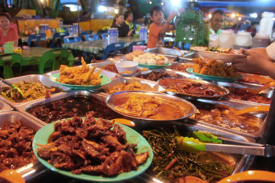 """Visit local markets/night markets and """"warungs"""" for delicious local food at a cheap price. Enjoy endless cafes, clubs and restaurants with healthy foods."""